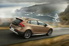volvo-v40-cross-country-04 68854