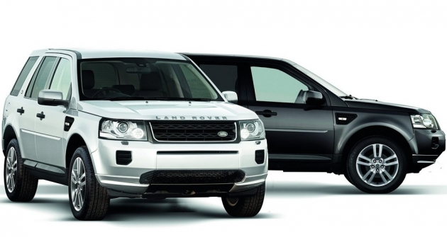 land-rover-freelander-ii-black-white-1 72463