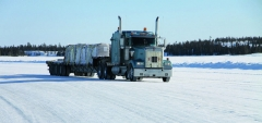 zo5slh-truck-on-the-ice-road 70332