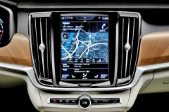 170102-interior-centre-display-and-air-blades-volvo-s90-v90 110457
